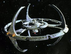 Space station Deep Space Nine (DS9)